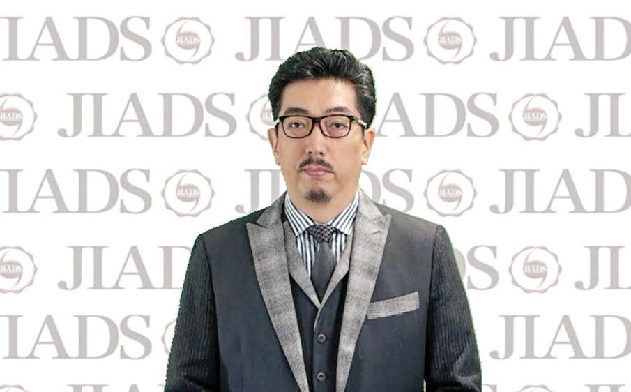 開会挨拶を行う瀧野裕行理事長。
