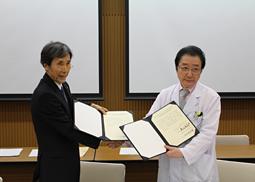 国立がん研究センターと日歯、「がん患者歯科医療連携合意書」に調印